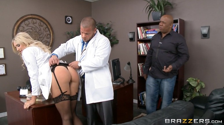 Doctor fucked his sexy assistant